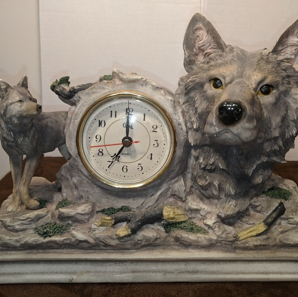 Other - Wolf mantel clock